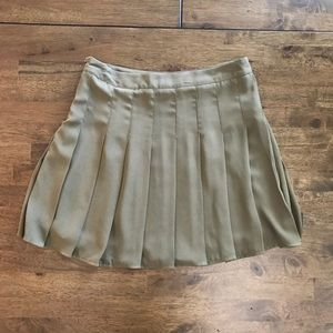 Olive Green Forever 21 skirt. Size Medium.